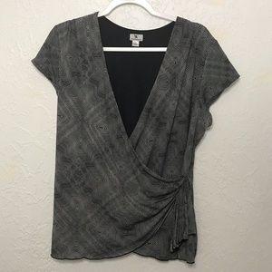 WORTHINGTON - Business V-neck Black & White